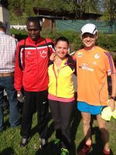 Gerlinde Mayrhofer mit Sportkameraden